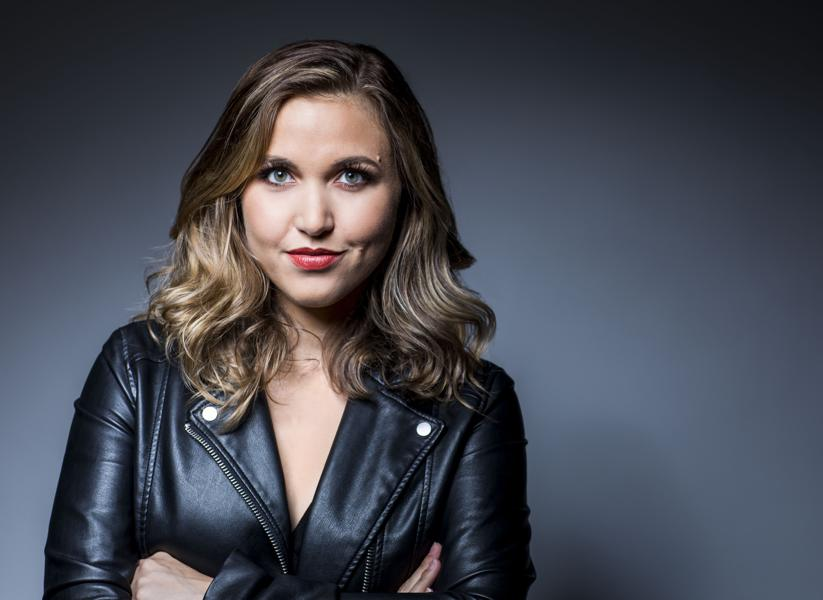 25-Year-Old Taylor Tomlinson Travels For Her Comedy