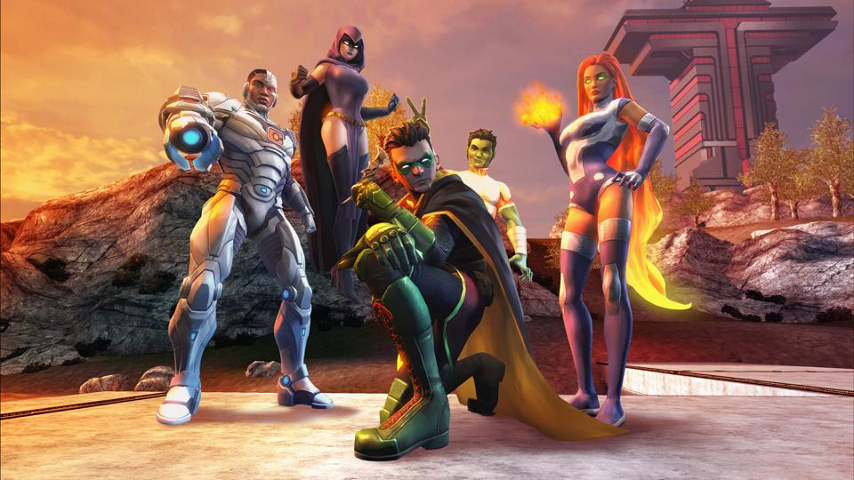 Robin, Starfire, and the rest of the Teen Titans in DCUO.