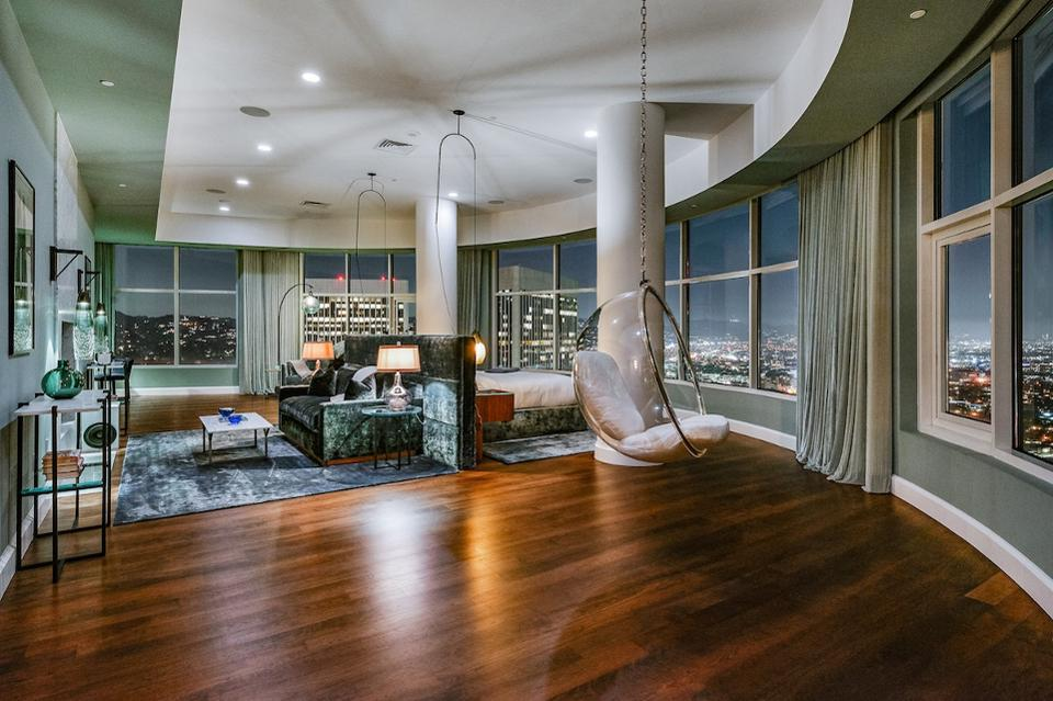 Matthew Perry of Friends has listed his penthouse in The Century for $35 million.