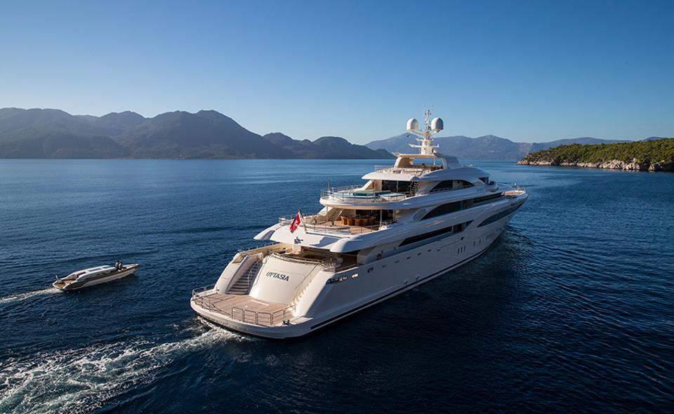 A superyacht with the best limousine tender provides plenty of ″billionaire bragging rights.″