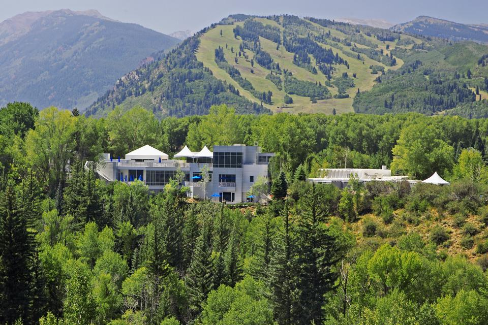 The resort is nestled at the base of Aspen Mountain