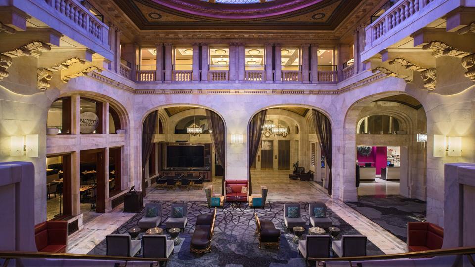 Renaissance Pittsburgh Hotel Lobby.
