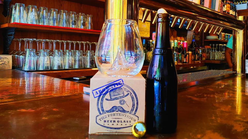 The legendary Westvleteren 12 was a perfect compliment to the Aromatic beer glass. The mountain feature in the middle allowed for a more fully developed nose.