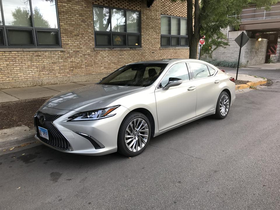 Review: 2019 Lexus ES300h Is The Right Hybrid At The Wrong Time