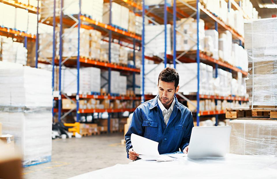 Prioritizing the deliveries in a warehouse