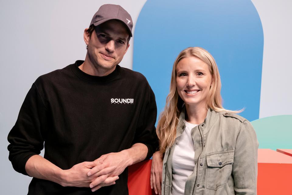 Ashton Kutcher och Julie Cordua av Thorn.