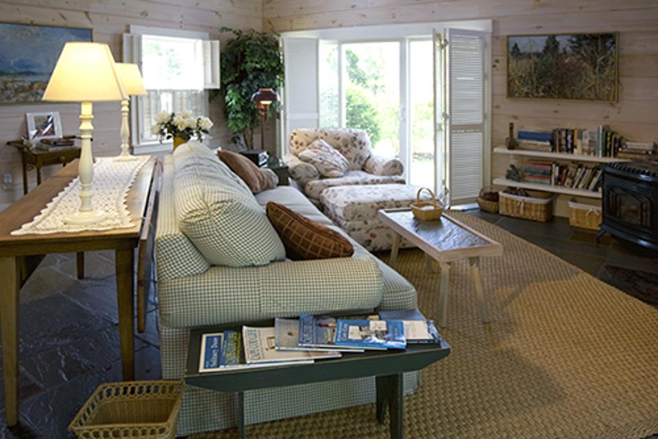 Fort Hill Bed & Breakfast offers three charming suites.