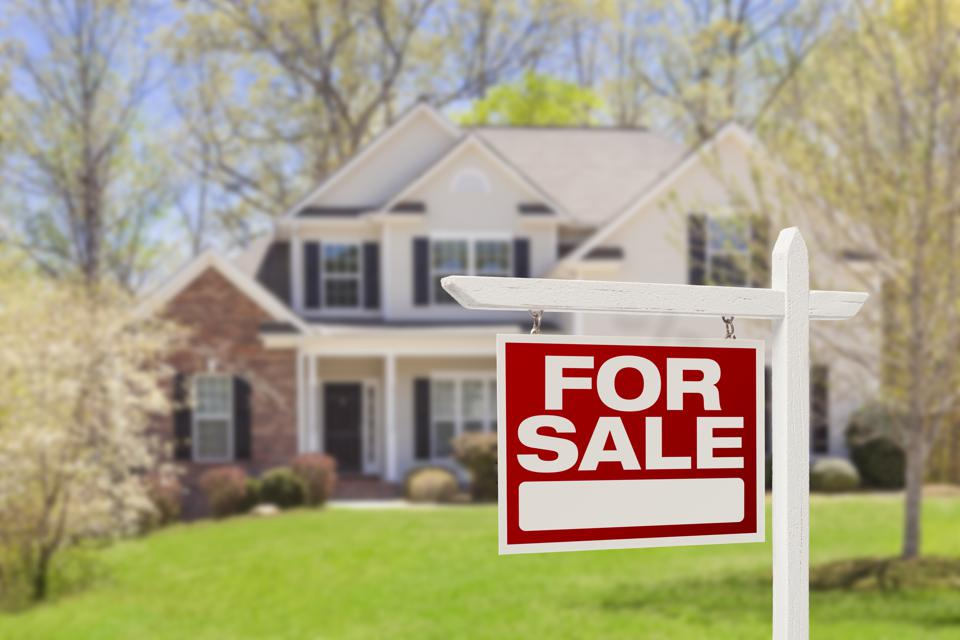 A new study shows that iBuyer solutions cost home sellers thousands, but for many, convenience is worth the price.