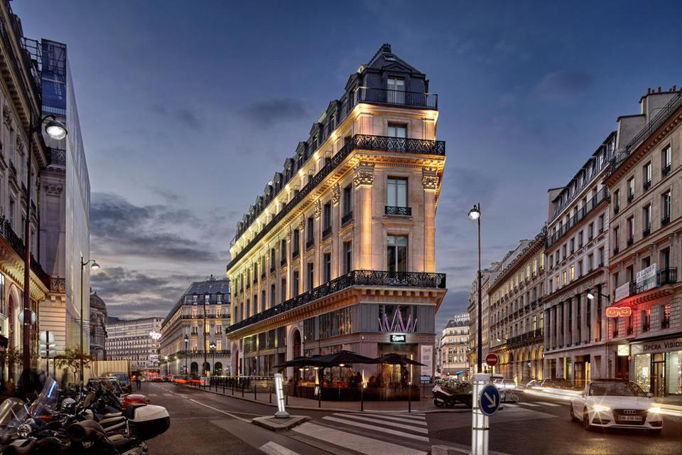 W Paris Opéra, a pet-friendly hotel