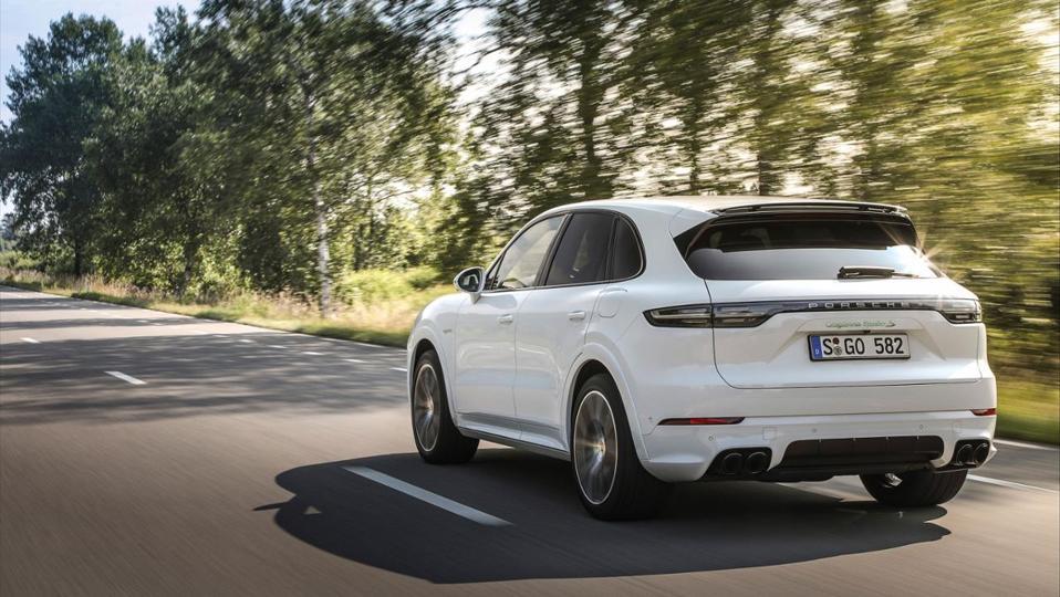 Porsche Just Set A New Standard For Hybrid Suvs
