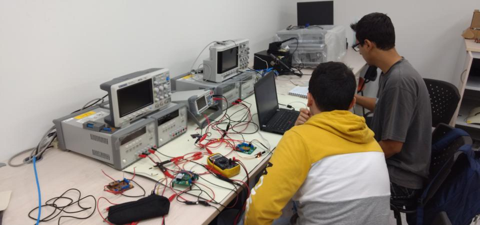 Students at the Roa Lab at the Industrial University of Santander in Burcaramanga, Colombia.
