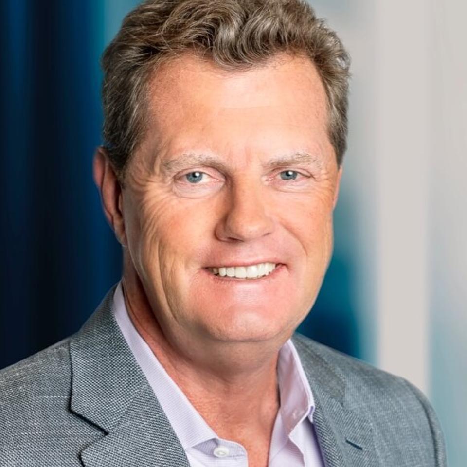 Snowflake-CEO-Frank-Slootman-Headshot-8-19