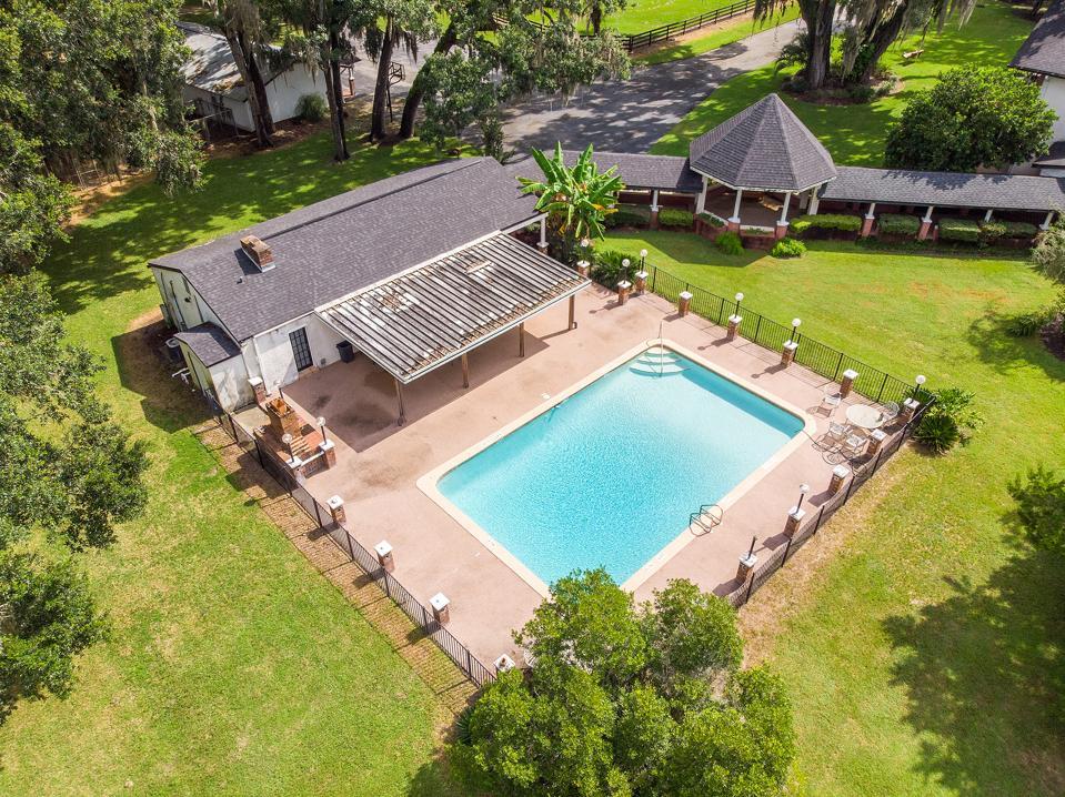 Vanderbilt mansion swimming pool