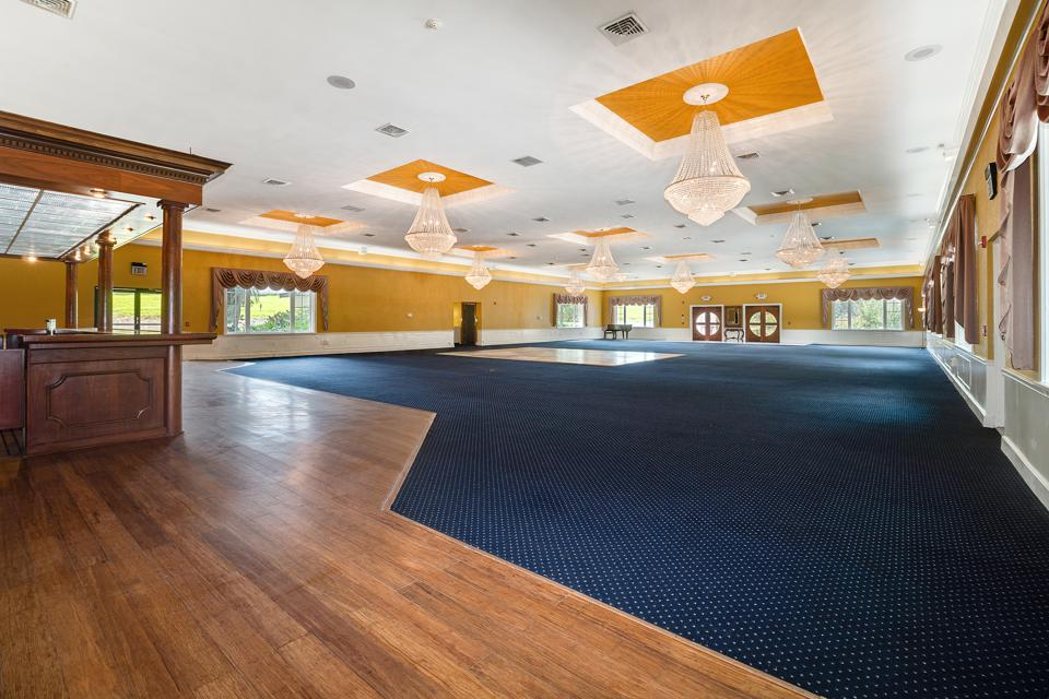 Banquet hall/conference center