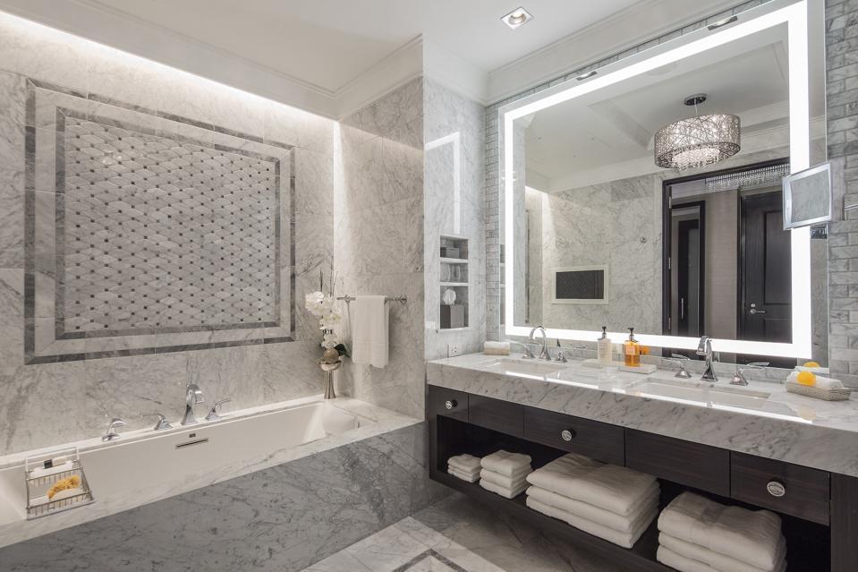 Post Oak Hotel at Uptown Houston bathroom.