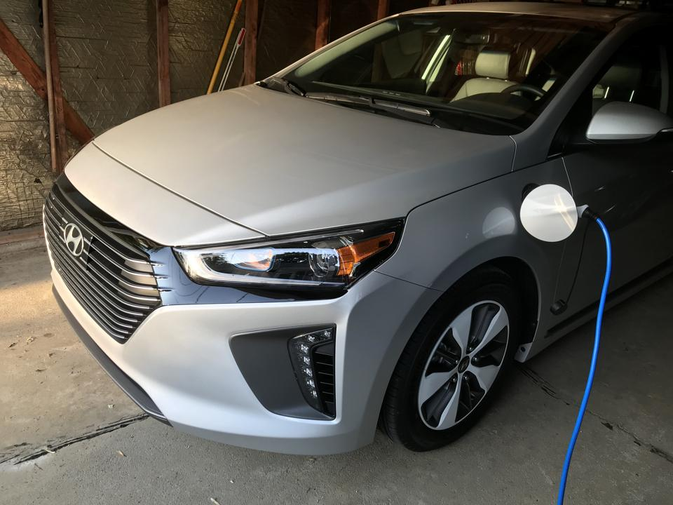 2019 Hyundai Ioniq Plug In Hybrid Review Good For The Here
