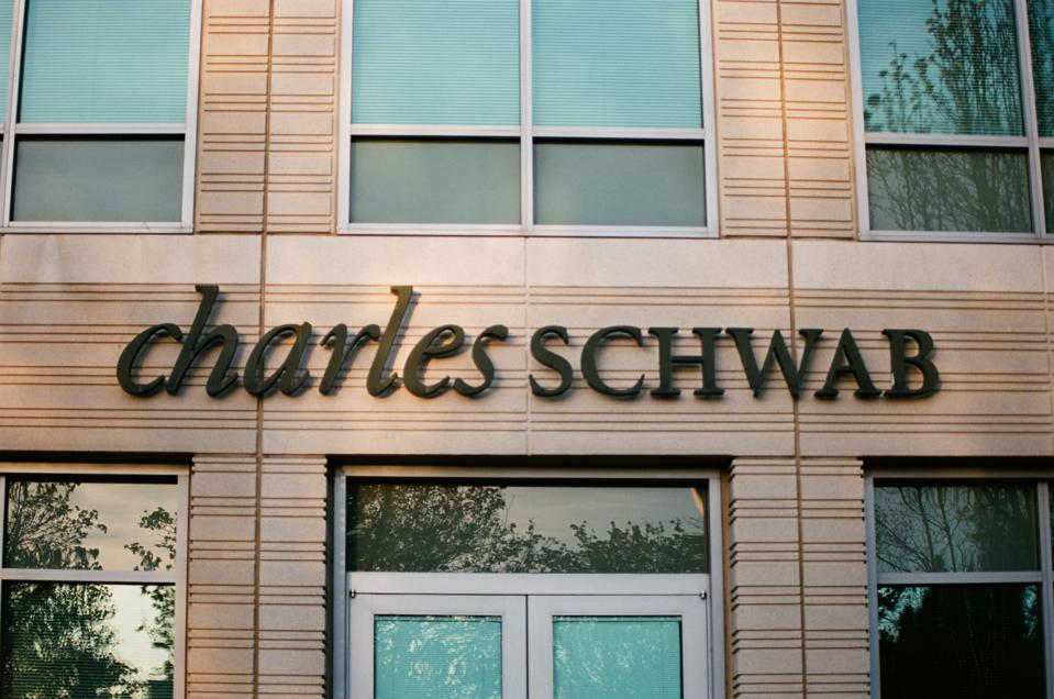 Charles Schwab And 3 Other Attractive Stocks Based On Price To Cash Flow