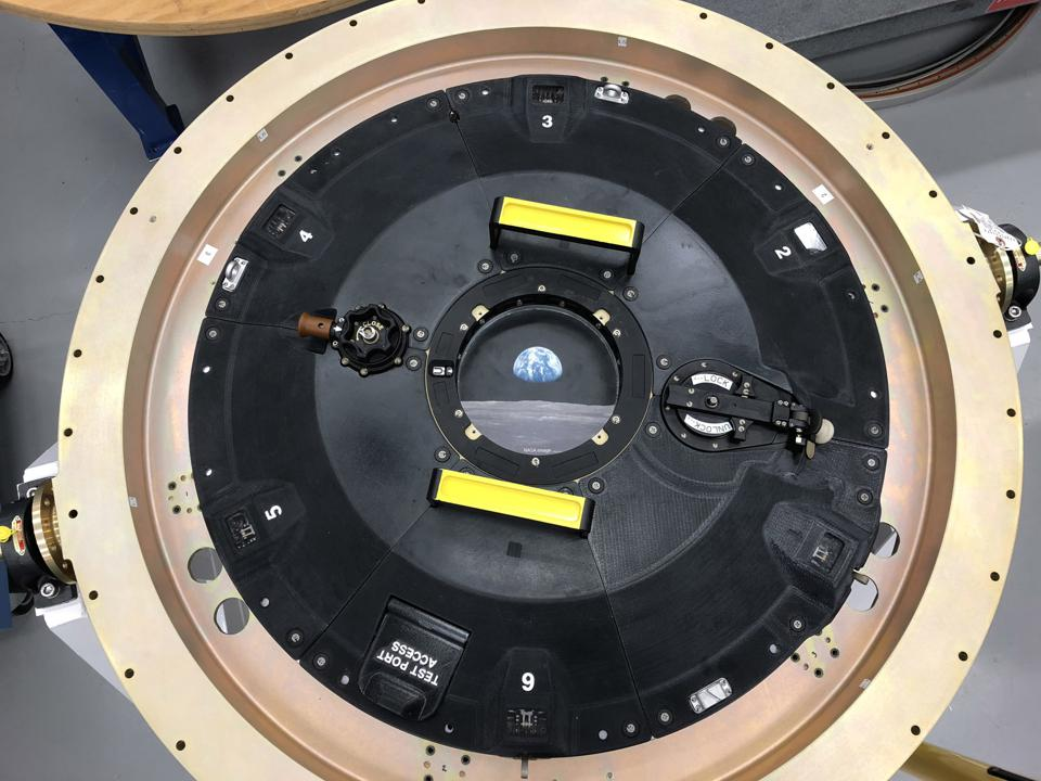 Orion docking hatch