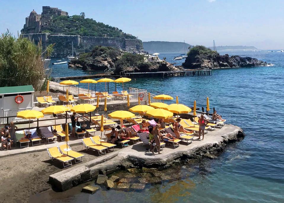 Beach clubs in Ischia