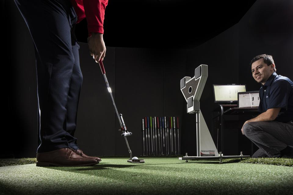 SAM Putting Lab measures the loft, path and arc of the putting stroke.