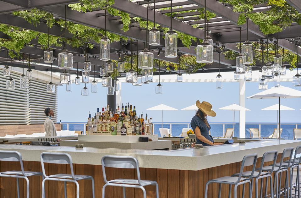 Waterfront pool bar