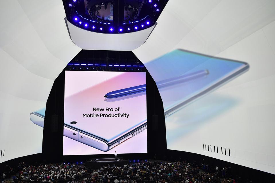 image of Samsung phone from Galaxy unpacked event