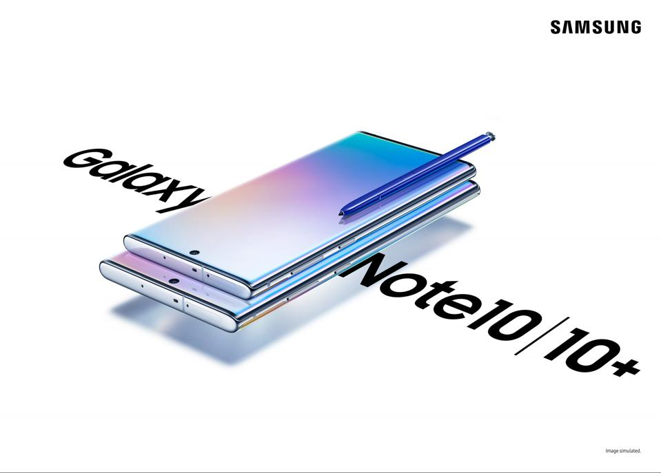 Image shows Two Sizes of the Samsung Galaxy Note 10