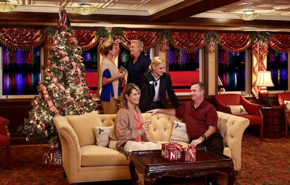 The Paddlewheel Lounge on American Cruise Lines