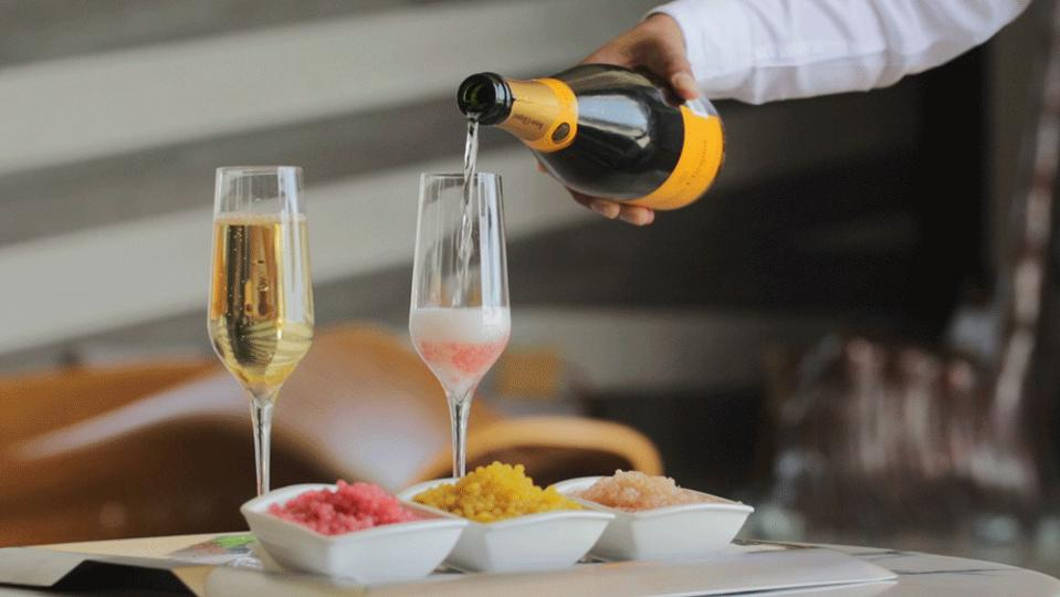 Champagne and fruit caviar