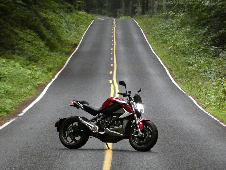 Review: Zero's New SR/F Electric Motorcycle Delivers Big