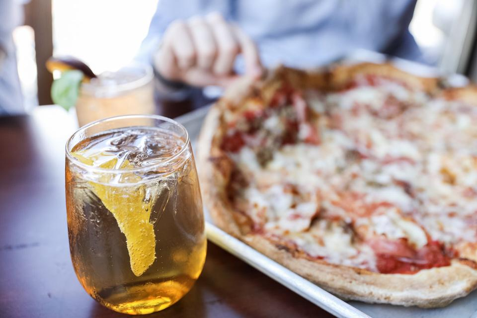 Ducali Pizza: Spritz and Porcellini Pizza