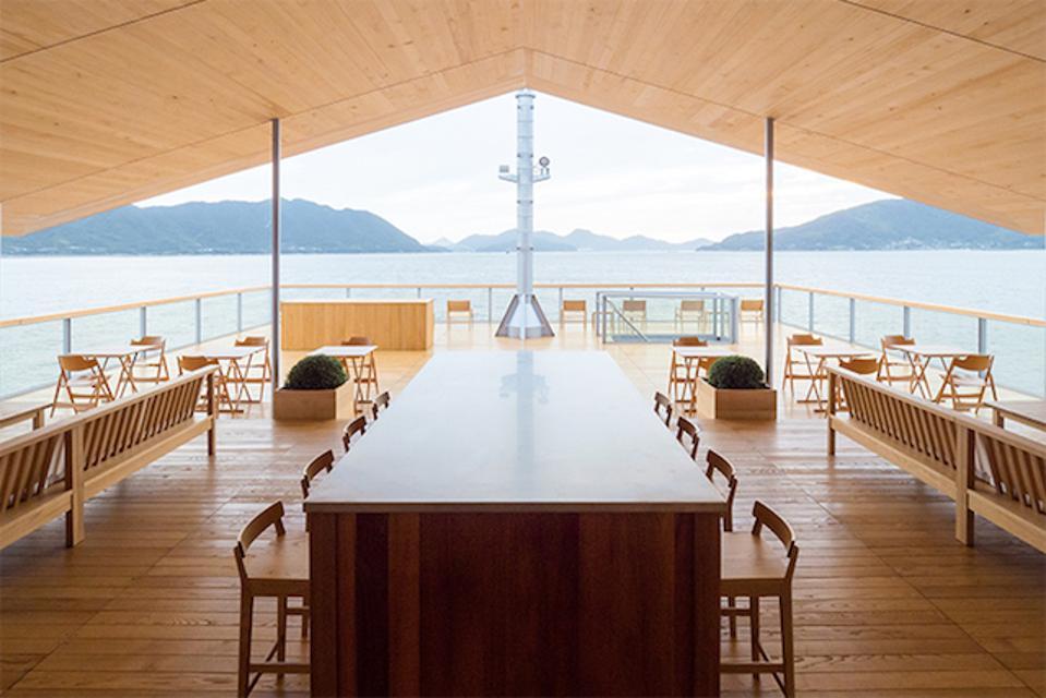 Guntu: Open, airy and wood-paneled
