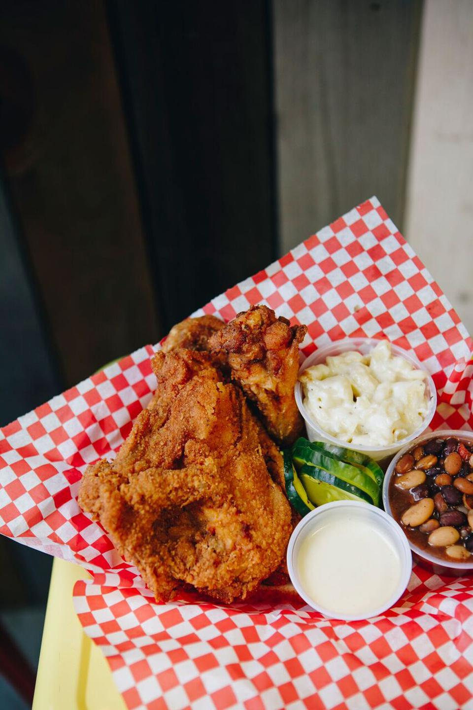 Fried chicken platter.