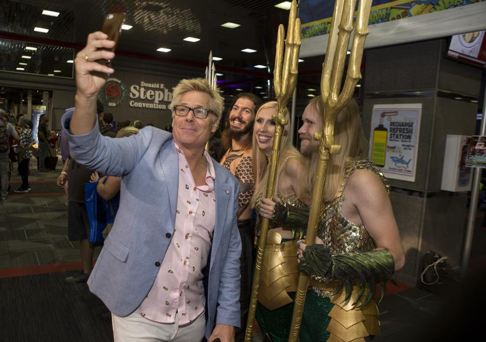Kato Kaelin poses for a selfie with fans in cosplay at Wizard World Chicago. Saturday, August 24, 2019 at the Donald E. Stephens Convention Center in Rosemont, IL (Photo by Barry Brecheisen)