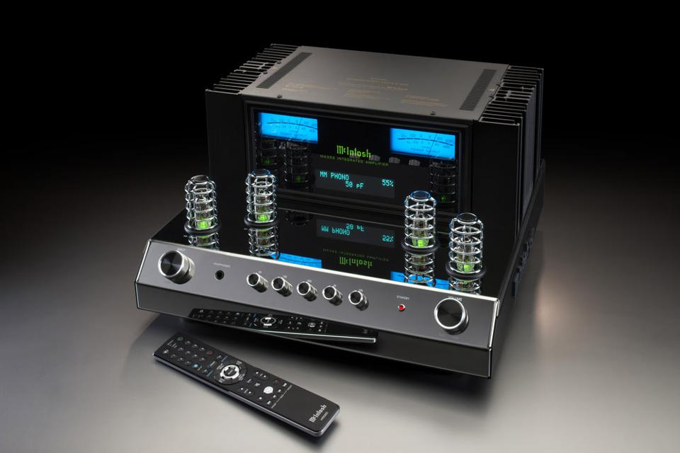 McIntosh Blends Tubes And Transistors In Its Latest Integrated Amplifier