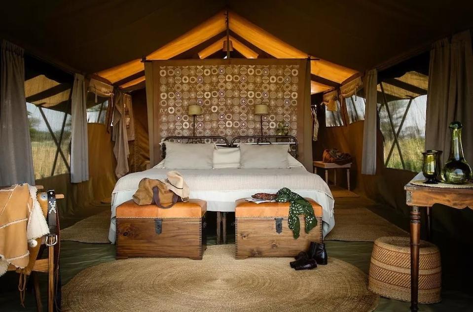 Nomad. Serengeti. Safari Camp. Tanzania