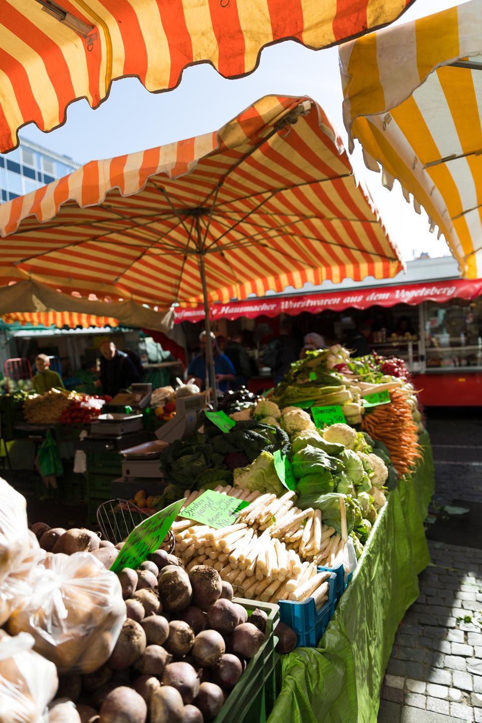 FRANKFURT, GERMANY - The weekly farmer's market in Frankfurt, Germany (April 2018)