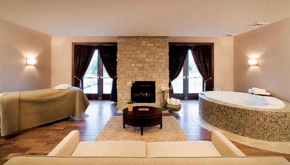 Aspira Spa. Romantic Getaway. SpaSuite. Osthoff Resort.