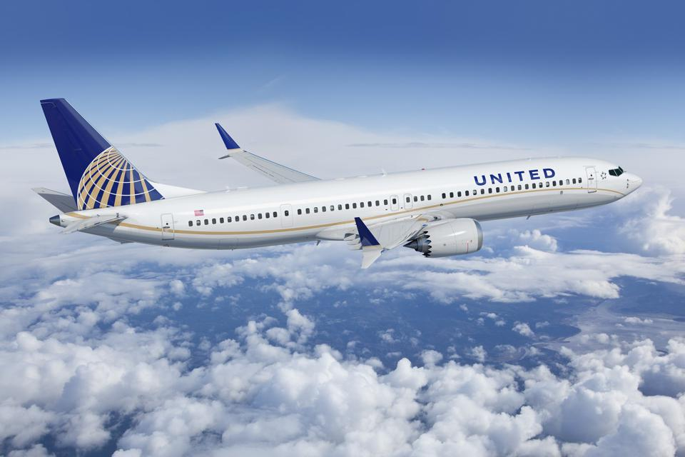 United Airlines plane.