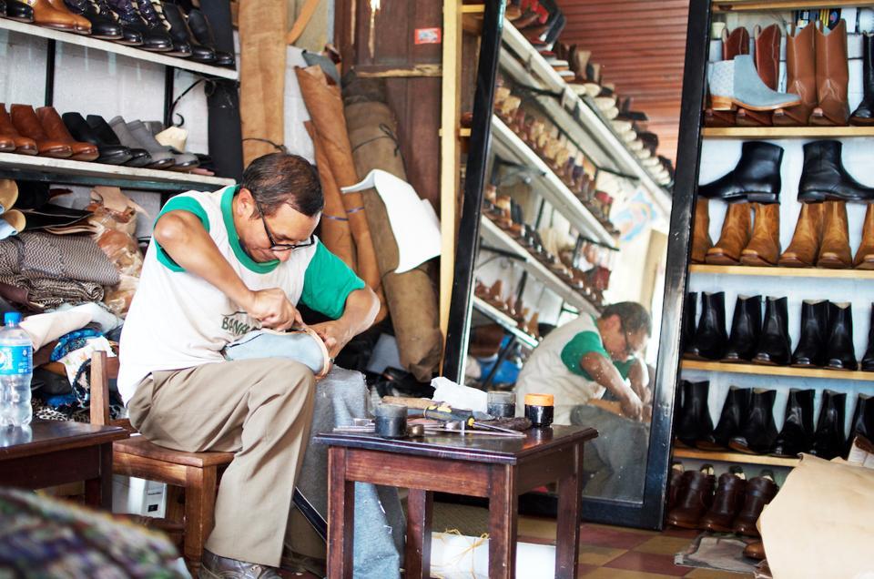 Bootmaker in Guatemala