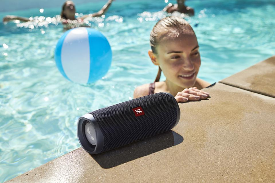 The New JBL Flip 5 Sounds Great... But Can It Get The Party Started?