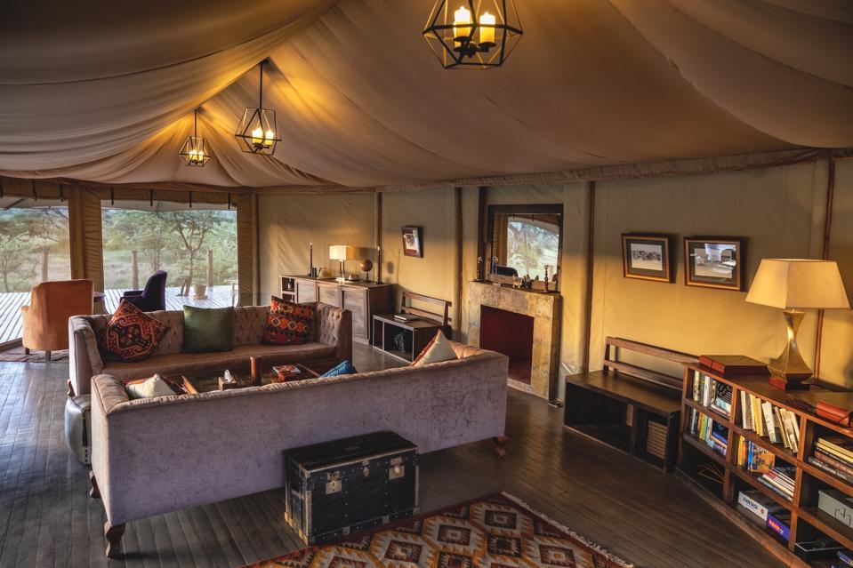 Leopard Hill Lounge.