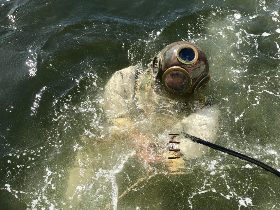 The Greek Sponge Divers Of Tarpon Springs