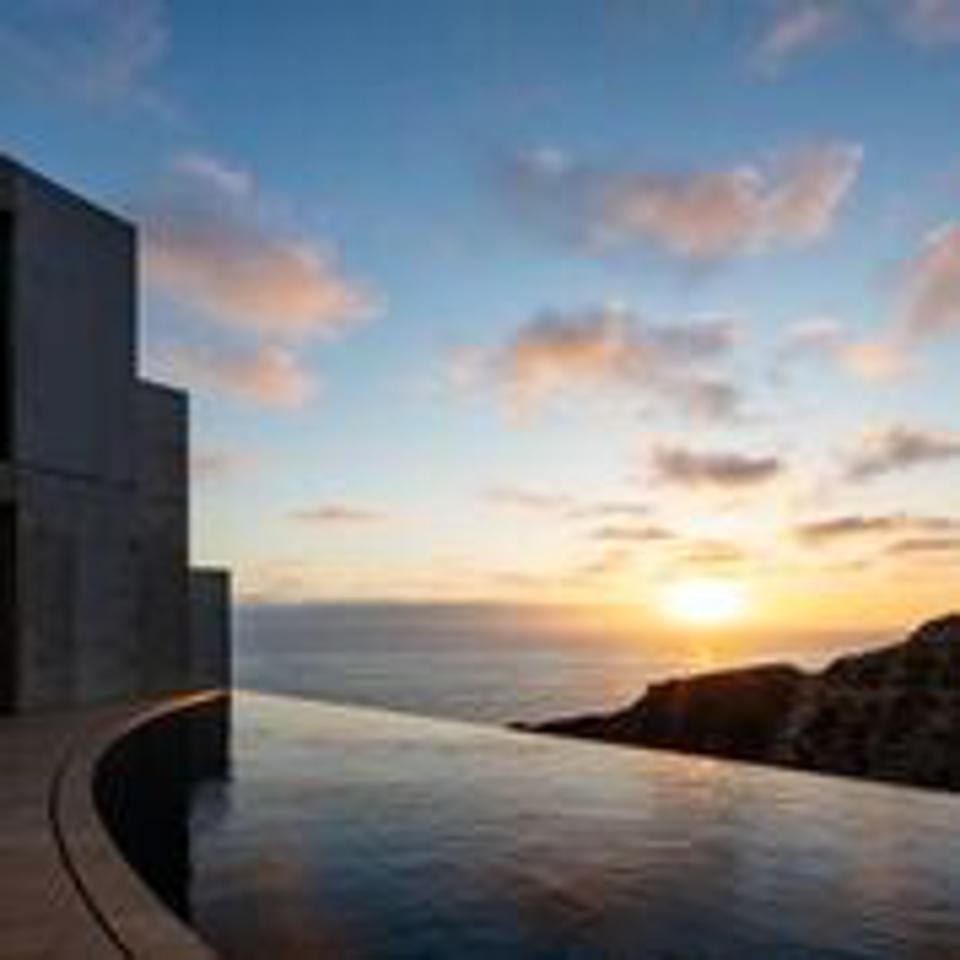 The infinity pool at the Razor House