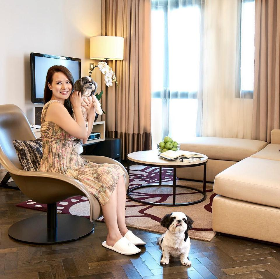 dogs in apartment at Fraser Suites Singapore