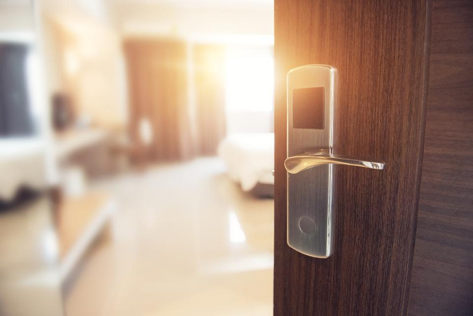 AEA hotel room policy