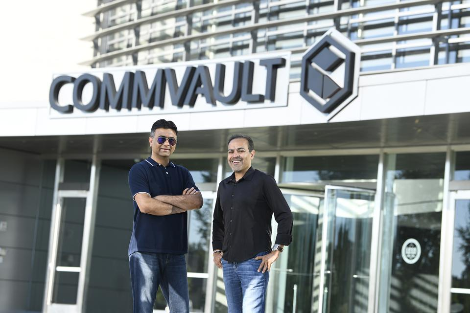 Avinash Lakshman, CEO and Founder of Hevdig (left) and Sanjay Mirchandani, CEO of Commvault (right)