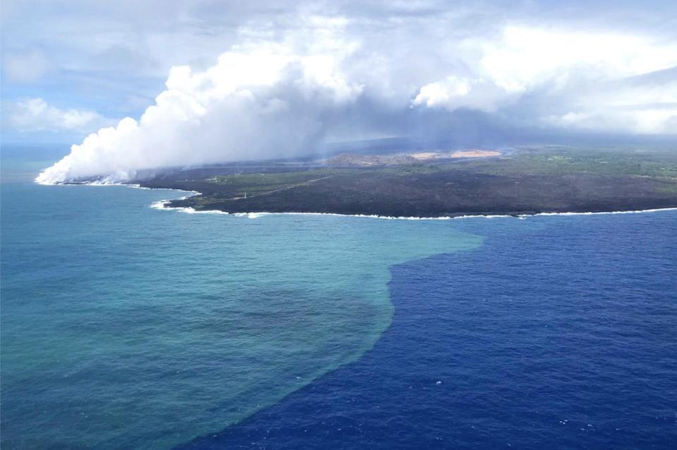 How A Volcanic Eruption In Hawaii Triggered A Massive Algae Bloom