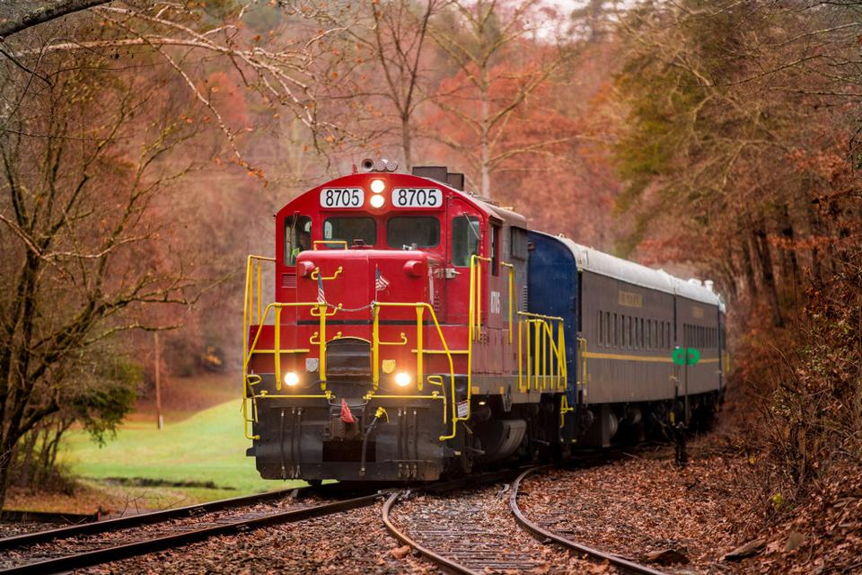 All Aboard! North America's Best Fall Foliage Train Trips