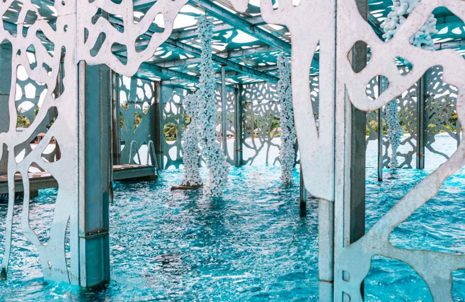 Fairmont Maldives Unveils New Underwater Art Installation By Jason DeCaires Taylor